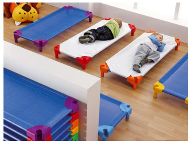 b b chat 39 stuces du mat riel et des jeux de qualit. Black Bedroom Furniture Sets. Home Design Ideas