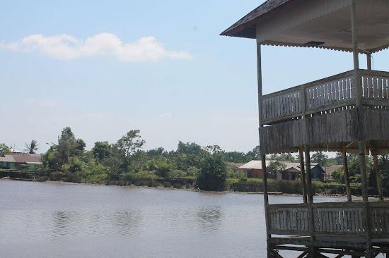 Pemandangan Sungai di Keraton Sambas 2 - Catatan Nizwar ID