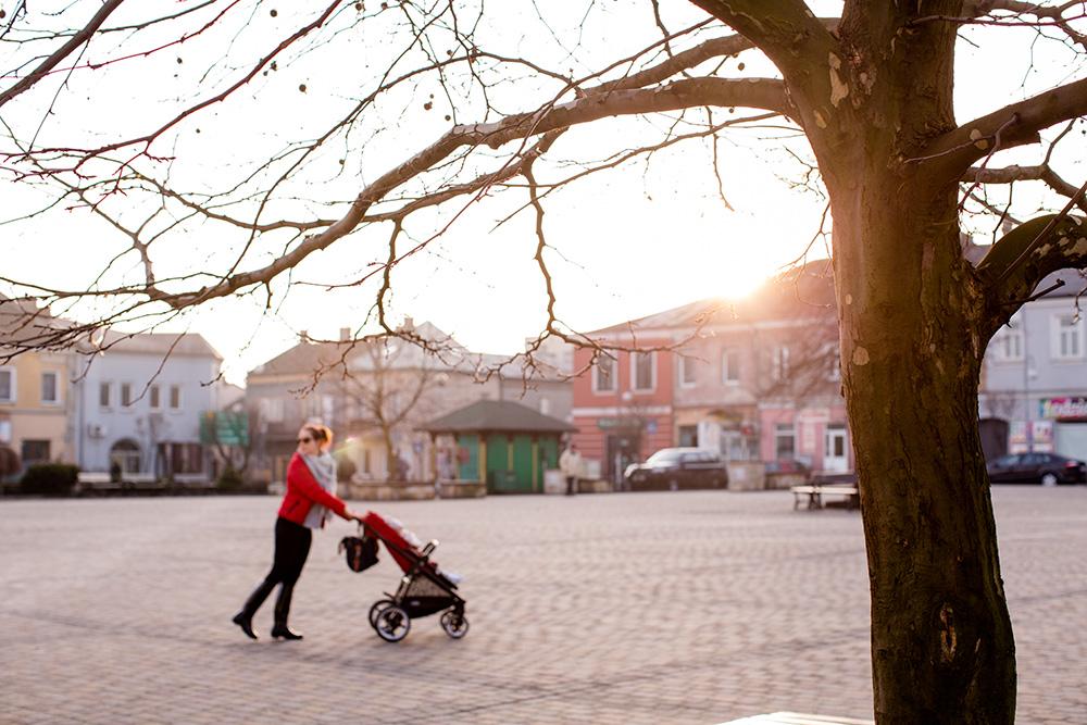 co zabrać na spacer z dzieckiem