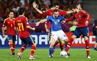 موعد توقيت مباراة اسبانيا وايطاليا يوم الاحد 26 يونيو 2016 والقنوات الناقلة للقاء كورة مع الترددات المجانية والمعلقين
