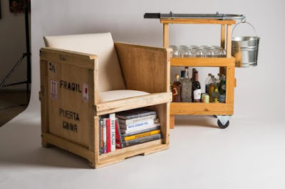 Sillón individual hecho con caja de madera para transporte de mercancía.