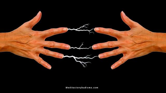 ¿Porque las descargas eléctricas cuando saludamos a alguien?