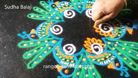 peacock-in-rangoli-1ab.png