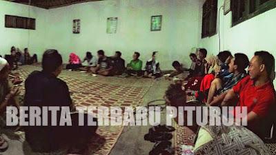 Malam Mingguan, Pemuda Karang Taruna Girigondo Malah Rapat