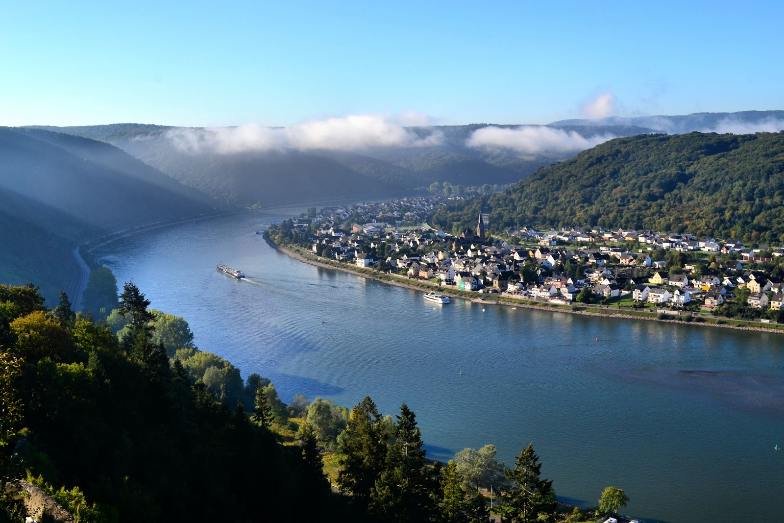 A voyage to the past and present on the Rhine River in Germany. This view of the River and the village of Spay on the opposite bank was taken from Marksburg Castle. All photography is the property of EuroTravelogue™. Unauthorized use is prohibited.