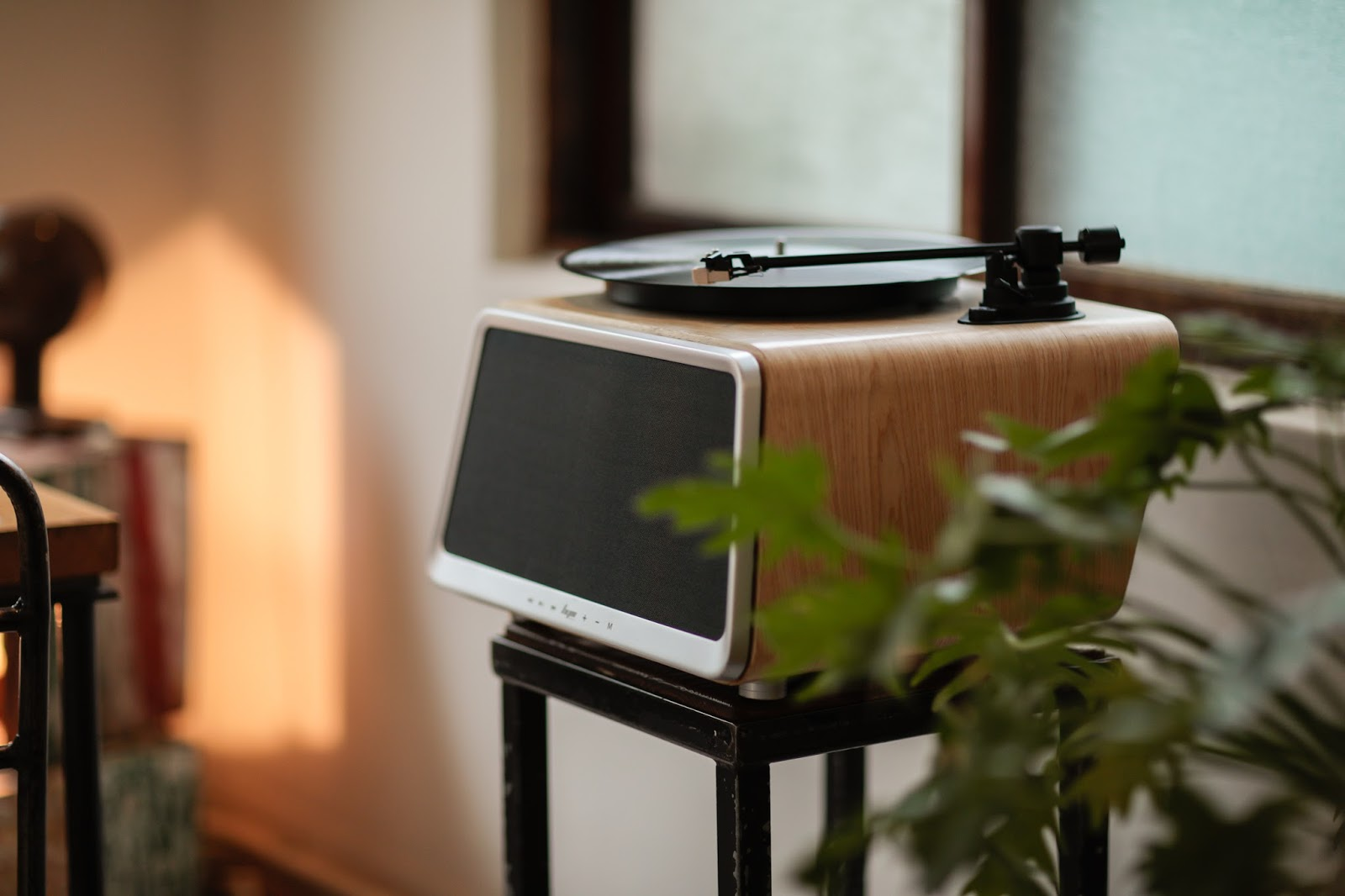 Der hym Seed Turntable | Der Future Design All in One Plattenspieler rockt Kickstarter