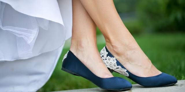 bahaya akibat terlalu sering pakai flat shoes