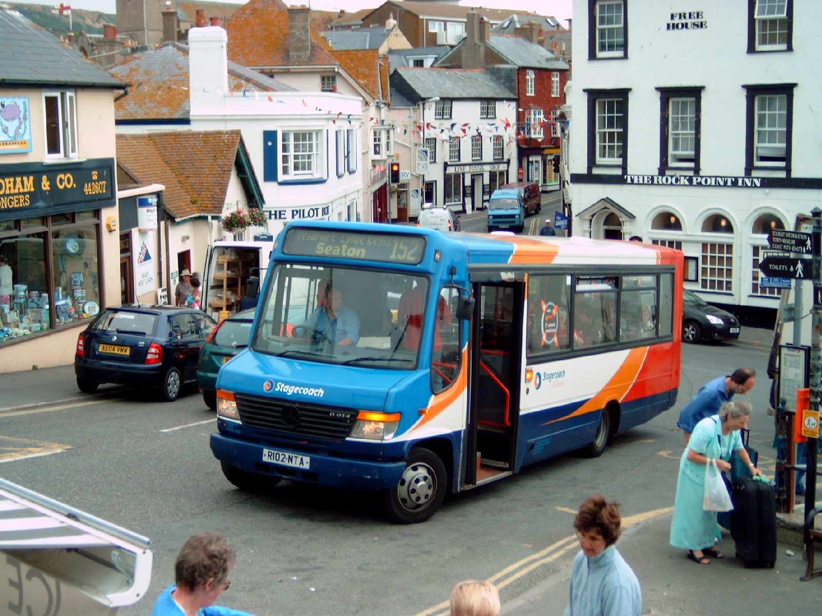 Mercedes West Chester >> Southern England Bus Scene: Seaton - Bridport 152