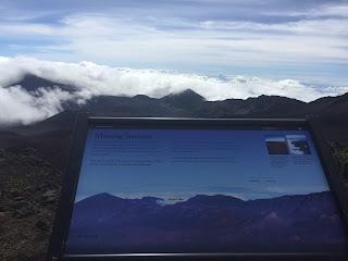 les trails dans le volcan Haleakawa