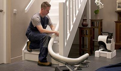 que faire pour r parer mon monte escalier tomb en panne. Black Bedroom Furniture Sets. Home Design Ideas