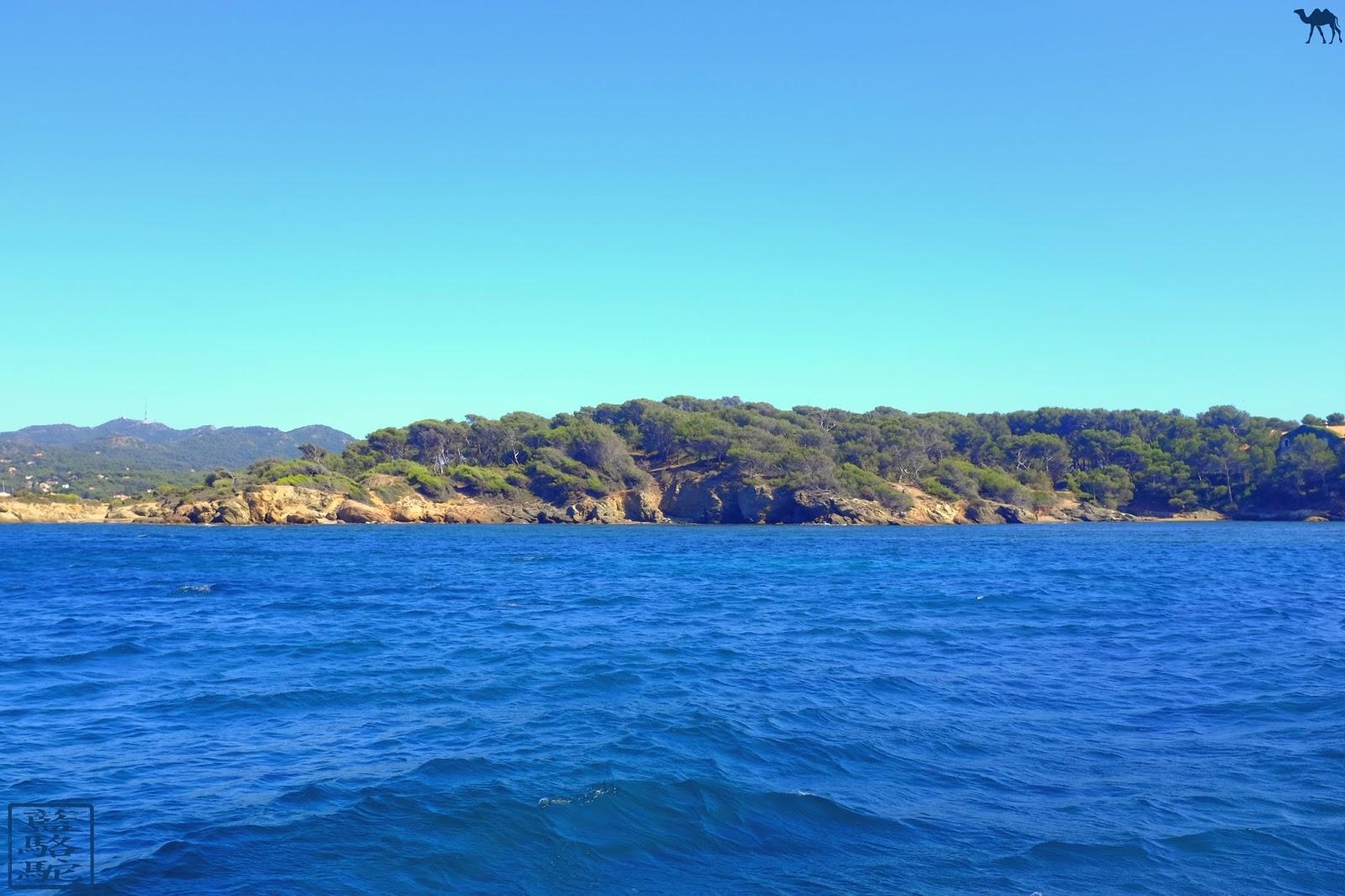 Le Chameau Bleu - Méditerranée - séjour sur   l'ile des Embiez