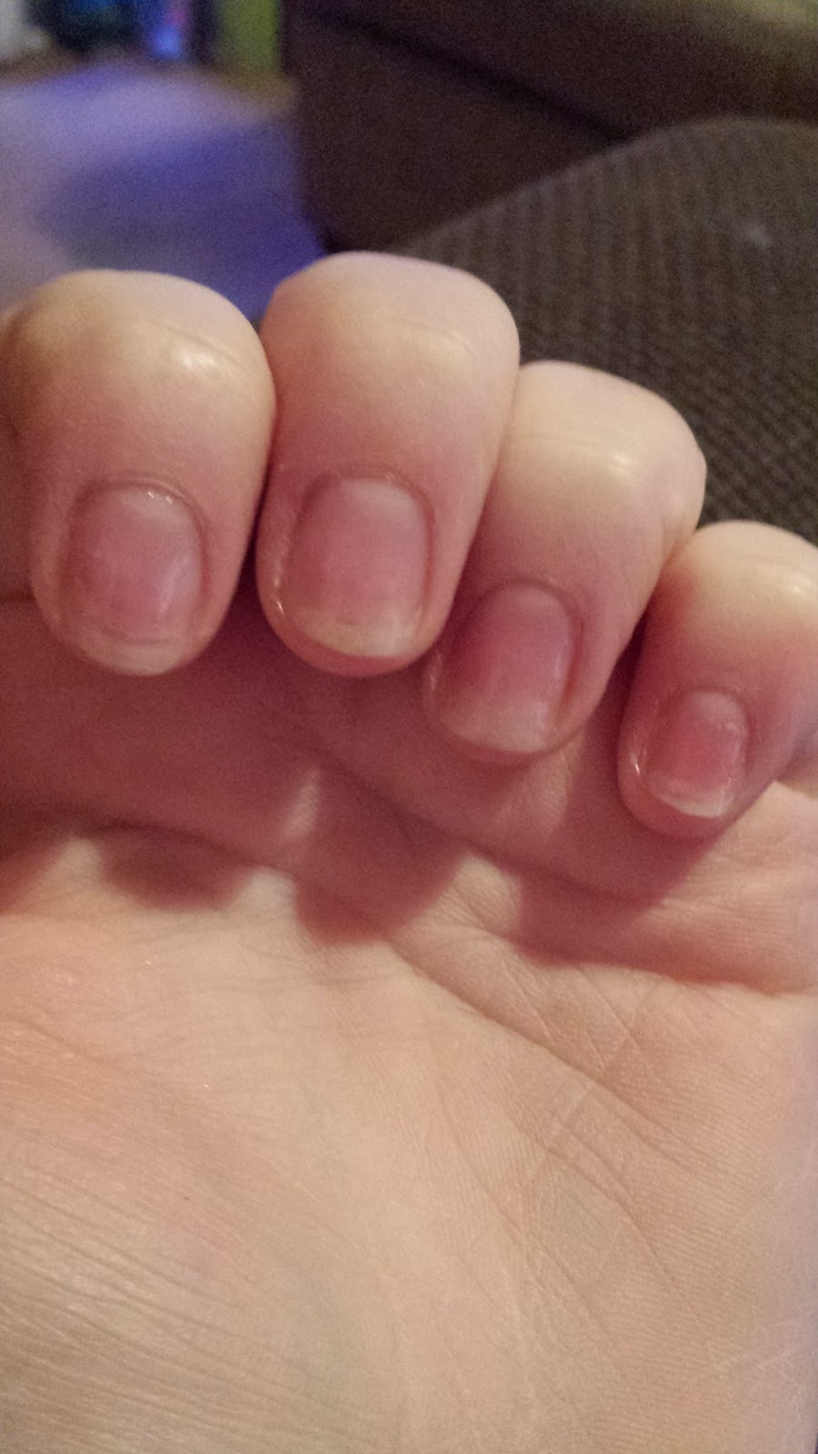 Essence ultra strong nail hardener rachsbeautique this nail polish strengthens and builds up soft and brittle nails it also says it contains formaldehyde and to see the warnings the warnings are actually solutioingenieria Images