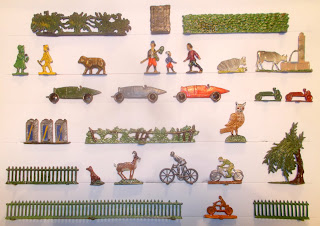 Archers Shield, Bicycles, Cattle, Children, Demi Ronde, Dog, Fences, Hedges, Lead Flats, Lead Model, Lead Toy Animals, Lead Toy Figures, Motorbike, Motorcycle, Owl, Petrol Cans, Racing Cars, Semi Flat, Small Scale World, smallscaleworld.blogspot.com, Trees, Whitemetal Figurines,
