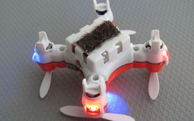 Drone «μέλισσα» αναλαμβάνει τη γονιμοποίηση φυτών