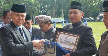 KAN Terbaik Kota Padang Terima Penghargaan