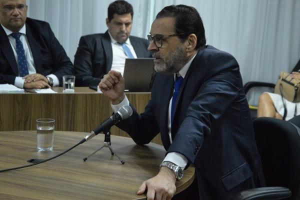 """""""Vivi 328 dias de privação absoluta"""", diz Henrique Eduardo Alves"""