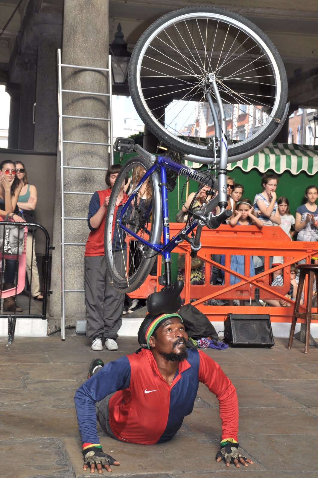 Shoreditch Gardens: Cats, Dogs And Eiderdowns: Covent Garden And Shoreditch