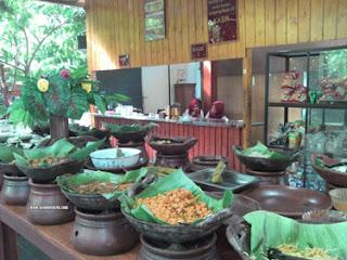 Makanan Tradisional di Kampung Coklat, Blitar