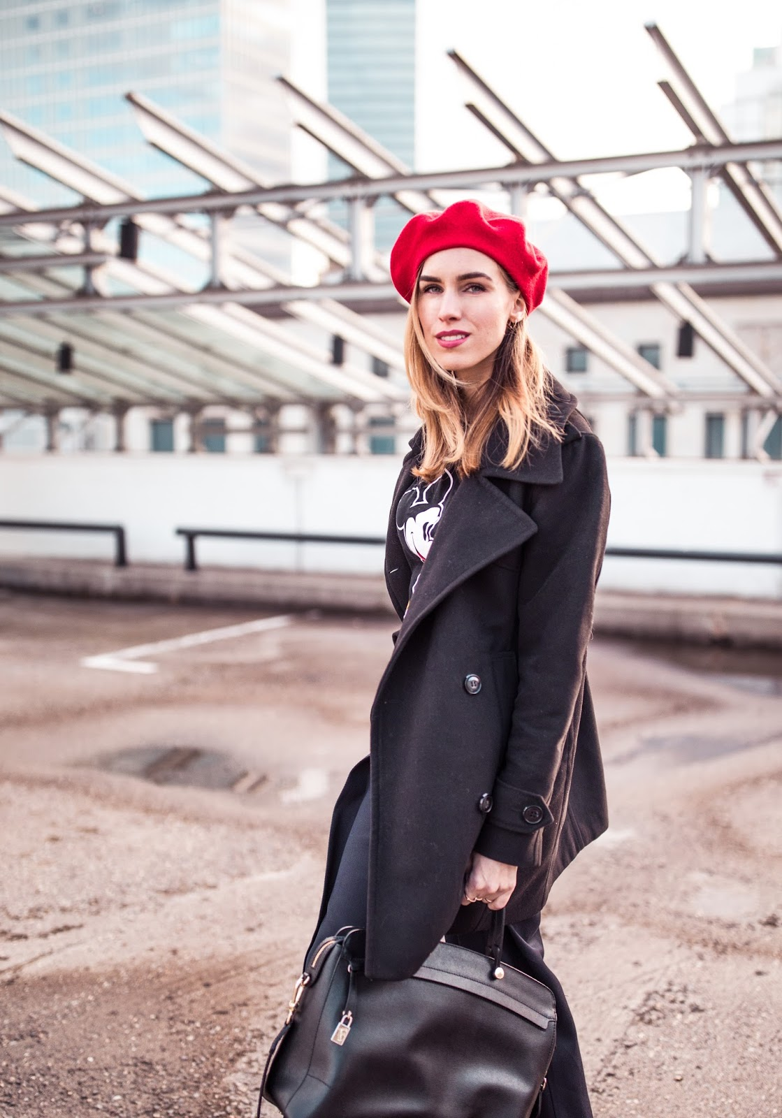 red beret hat fall outfit