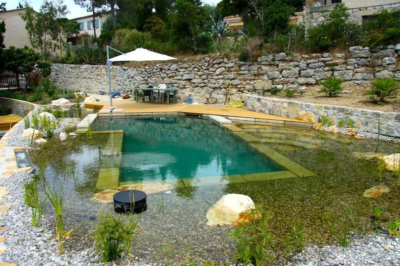 piscine naturelle en r gion paca. Black Bedroom Furniture Sets. Home Design Ideas