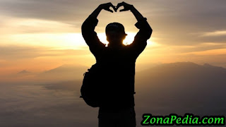 Mencintaimu Dalam Doa adalah Cara Terbaik untuk Menata Perasaanku