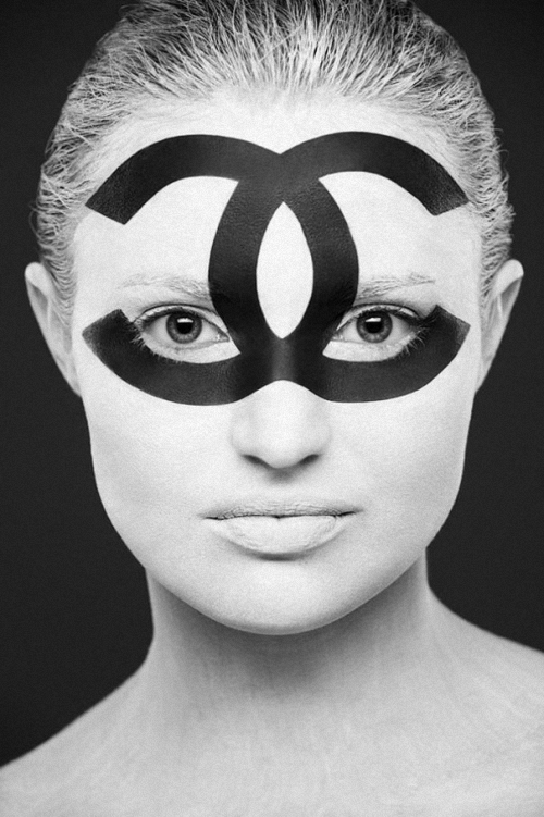 04-Alexander-Khokhlov-Black-&-White-Face-Painting-Photography