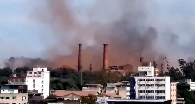 Vídeo mostra ambulâncias chegando para socorrer vítimas da explosão na Usiminas no Vale do Aço
