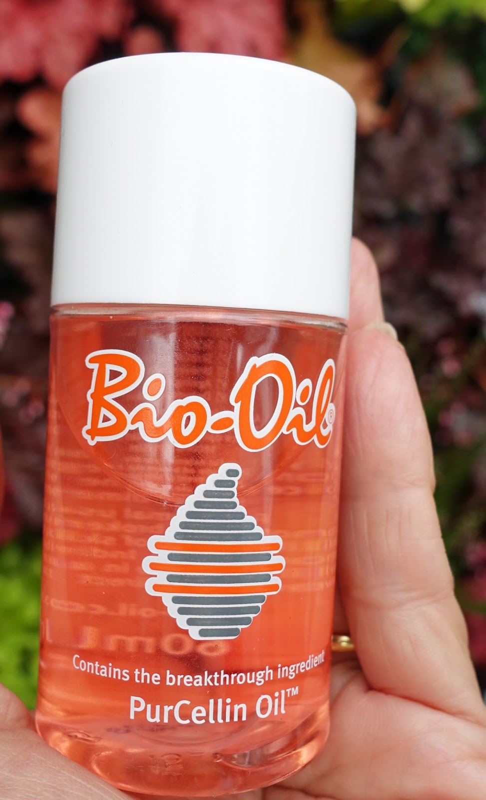 Bio-Oil was a product Is This Mutton? had never tried but in July's review it gets a glowing writeup for improving dehydrated and ageing skin