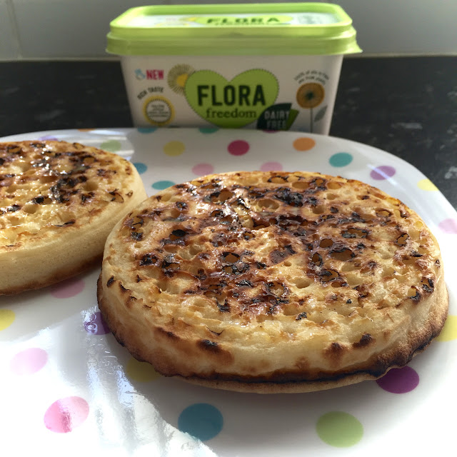 Breakfast; Crumpets, flora freedom, vegan food http://psychologyfoodandfitness.blogspot.co.uk/2016/08/what-i-eat-in-day-2-vegan-ft-flora.html