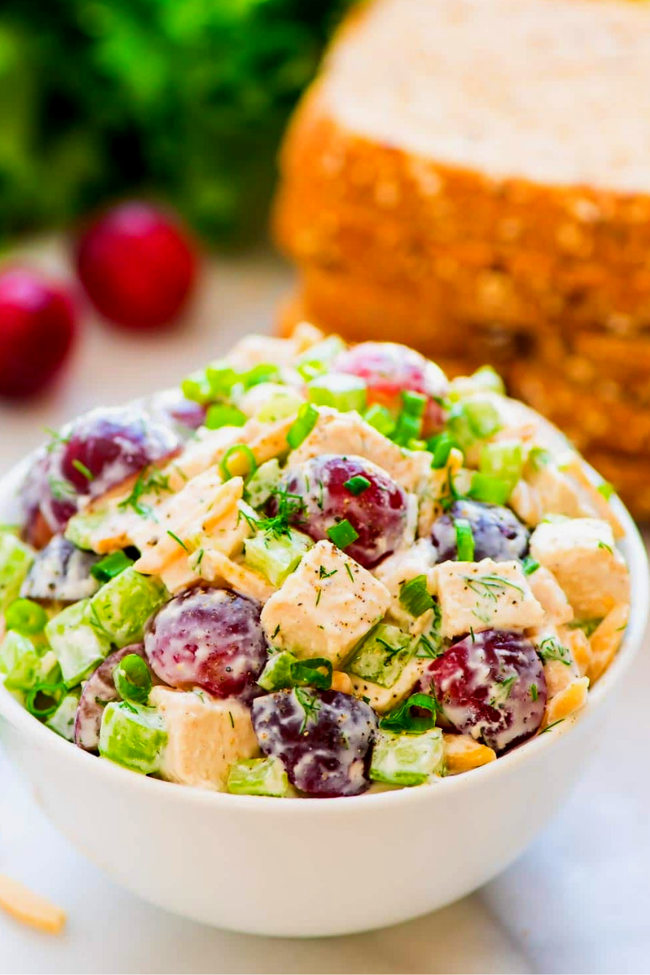 DELICIOUS GREEK YOGURT CHICKEN SALAD