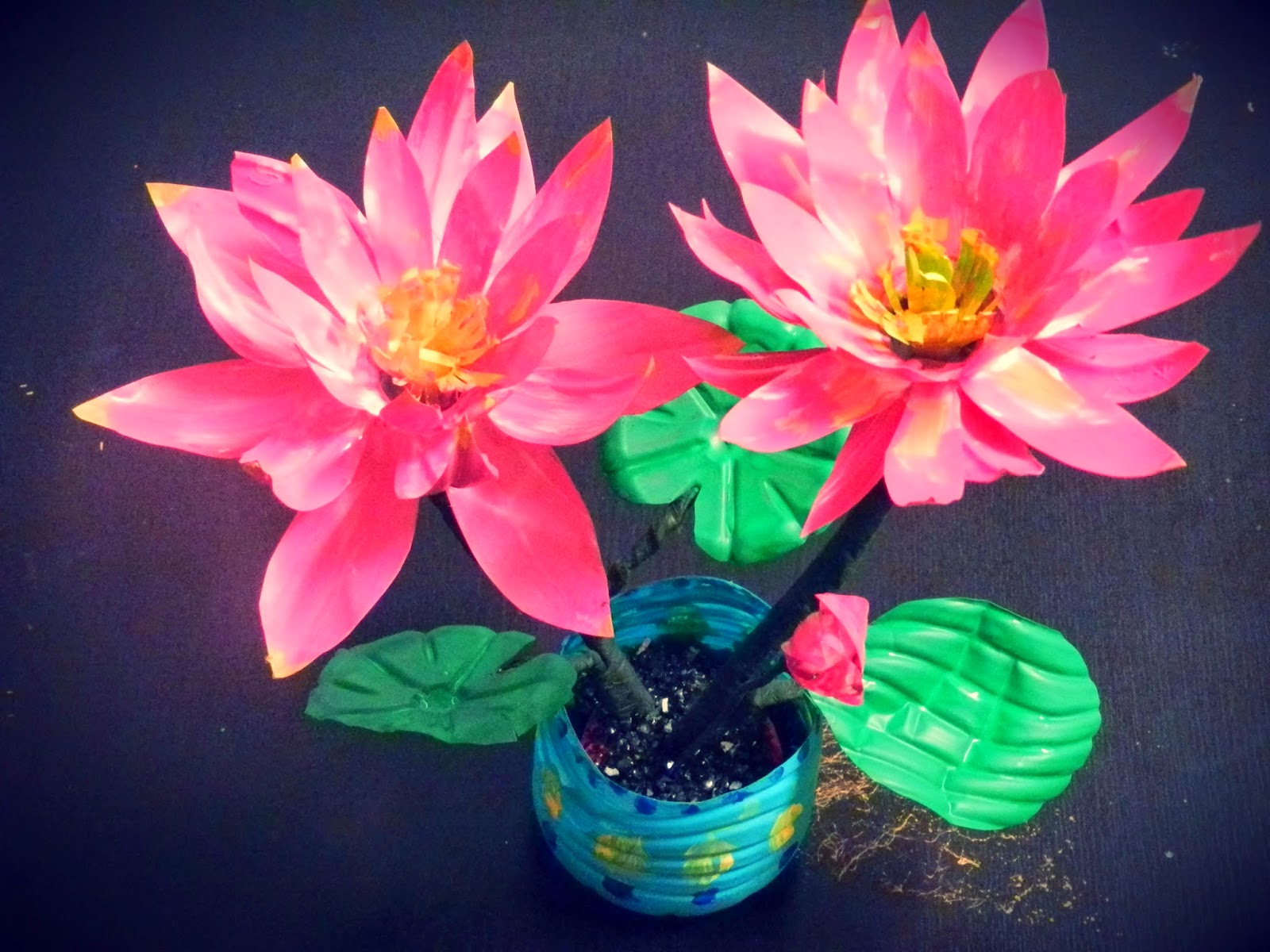 Creative DIY crafts: Recycled DIY: LOTUS flowers with ...