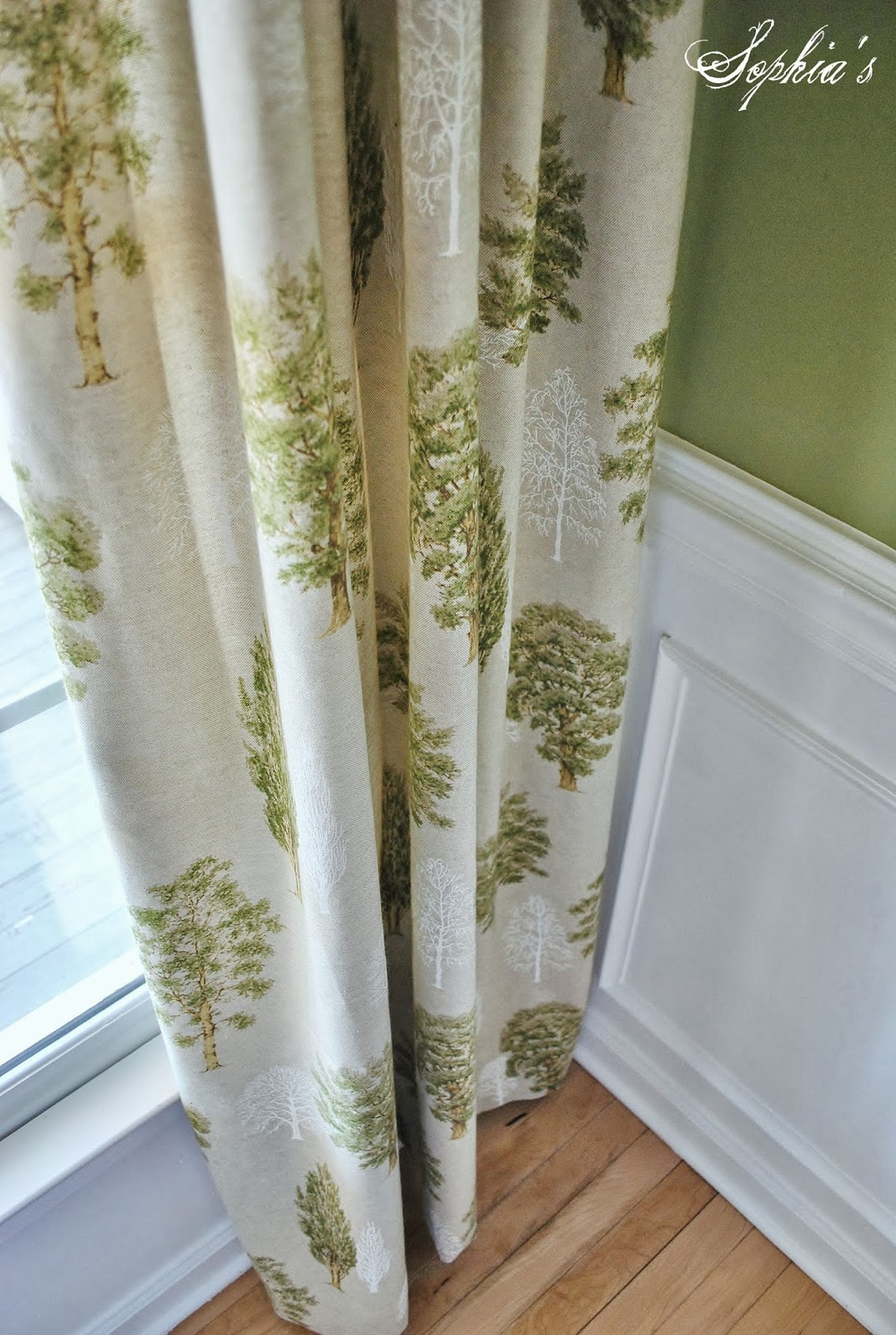 Curtains to go with lime green walls curtain menzilperde net for Green walls what colour curtains