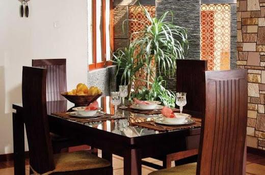 Inspirasi Interior dan Eksterior Rumah Penataan Ruang Makan Tampak Kokoh Dengan Nuansa Warna Coklat