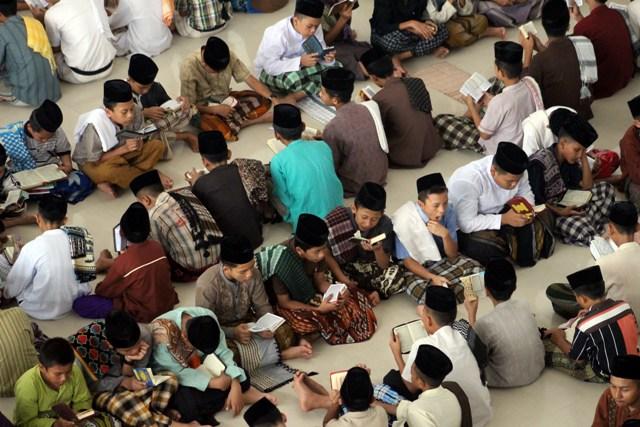 Lebih Tahu Tradisi Ramadhan di Pondok Pesantren