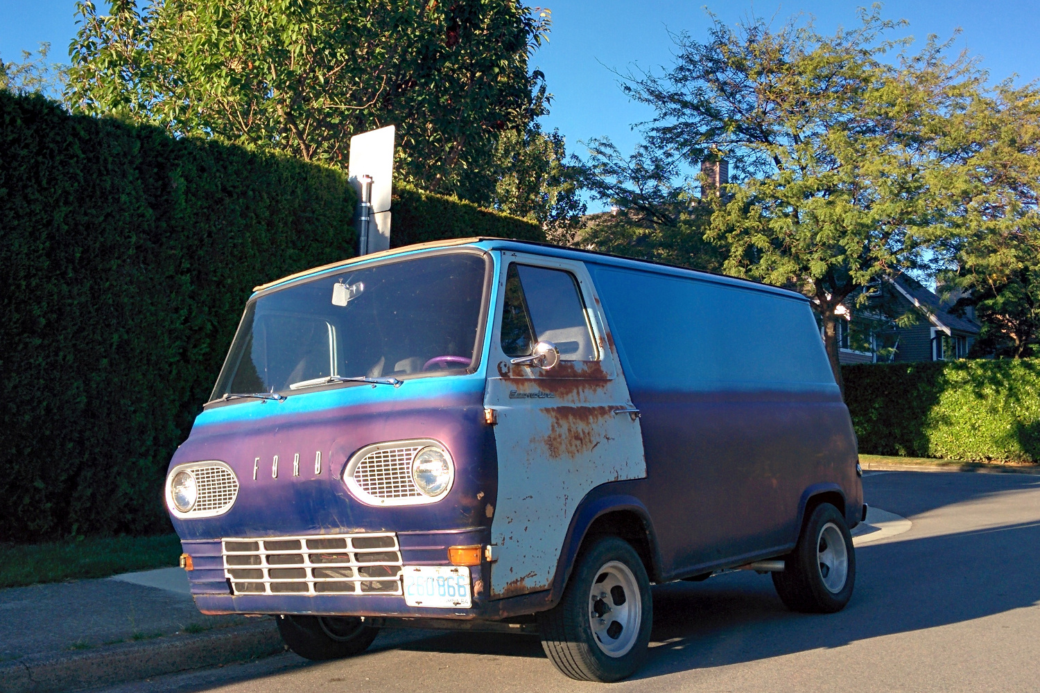 old parked cars vancouver 1964 ford econoline van. Black Bedroom Furniture Sets. Home Design Ideas