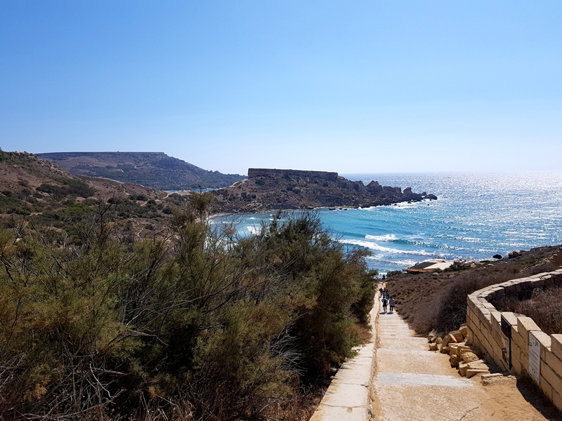 Malta, plaże na Malcie, zakreecona, Tuffieha Bay, wakace, morze