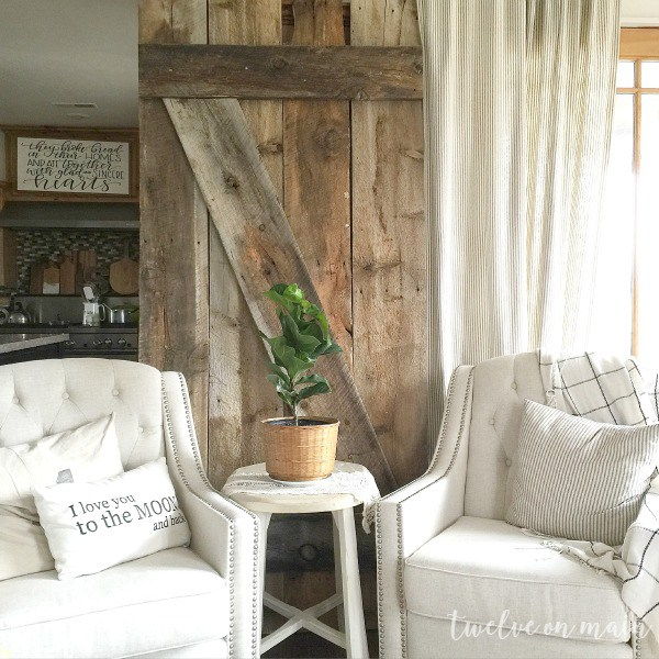 how to make a barn door for display