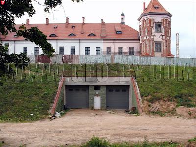 Секретные ворота в Мирский замок
