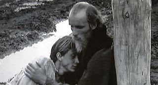 Andrei Rublev consoles the young Bellmaker