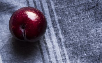 Wallpaper: Red Apple