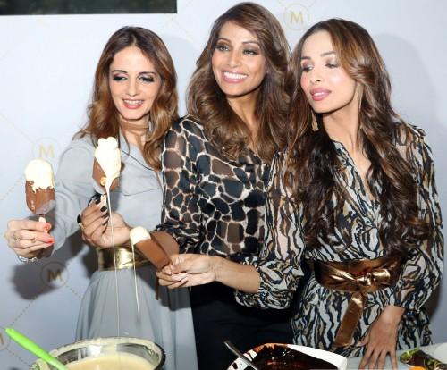 Bipasha,Malaika & Sussanne At Grand Unveiling Of Magnum Ice Cream