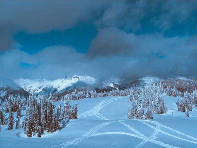 7 Best Places to Snowboard in Canada