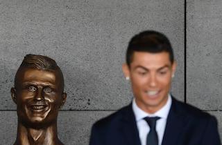 Ronaldo Terharu Namanya Diabadi Di Lapangan Terbang Madeira