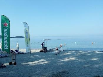Ηγουμενίτσα: Έβαλαν ράμπα πρόσβασης αναπήρων σε δυο παραλίες [photo]