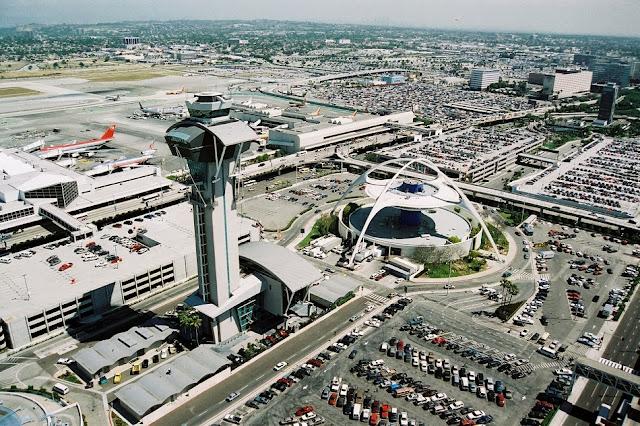 Resultado de imagem para Aeroporto internacional de Los Angeles