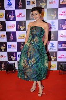 Actress Surveen Chawla Pictures in Shoulderless Dress at Mirchi Music Awards 2016  0008.jpg