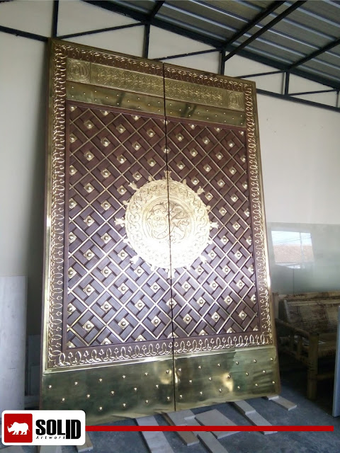 Replica of Nabawi Mosque Door