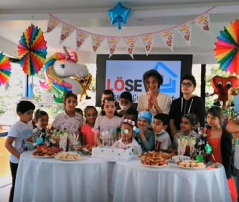 Neslihan Atagül s-a dovedit a fi un înger al bunătății! | Donații de Ramadan {featured}
