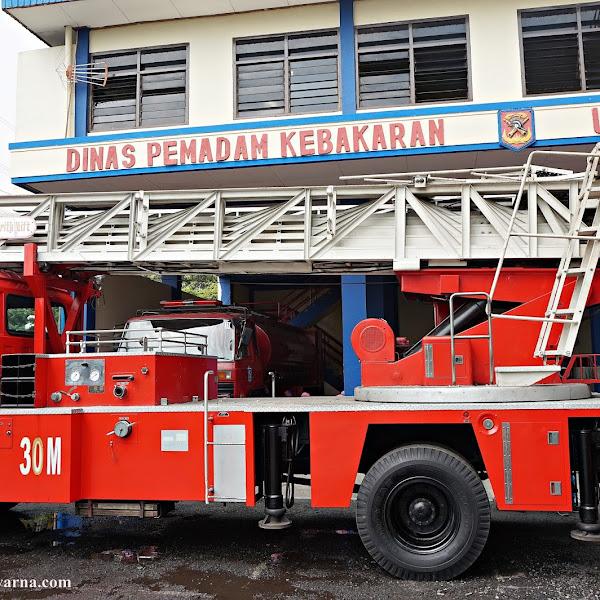 Lebih Dekat Dengan Profesi Pemadam Kebakaran
