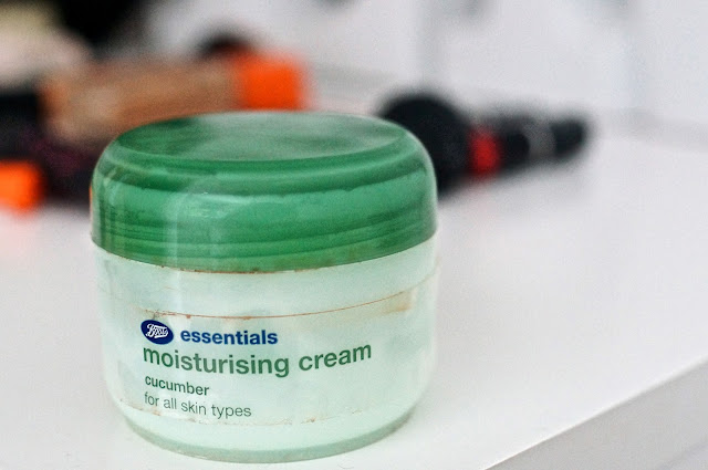 Boots Essentials Moisturising Cream